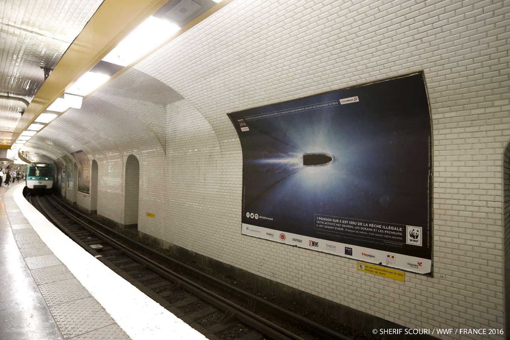Campagne d'affichage metrobus Bateau Balle