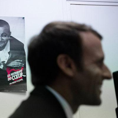 Emmanuel Macron inaugure le lancement de la collecte des Restos du Cœur