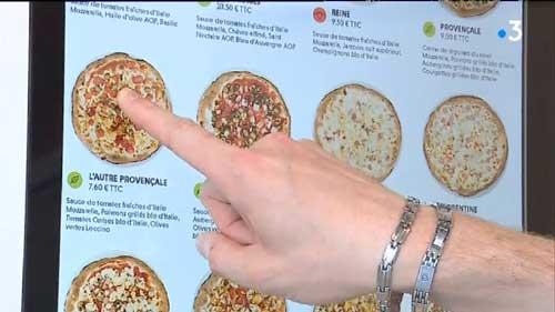 Sélection des ingrédients sur écran tactile
