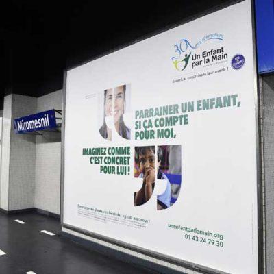 Campagne de l'agence pour l'association Un Enfant par la Main